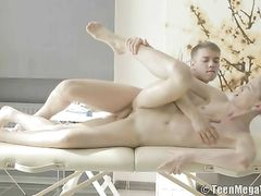 Masseur Fills His Client From Behind With Big Dick