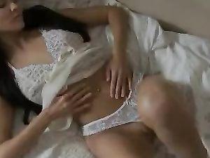 Solo Teen With Kinky Sex Toys Masturbating