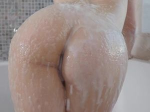 Slide Your Dick Into The Mouth Of This Bathing Beauty